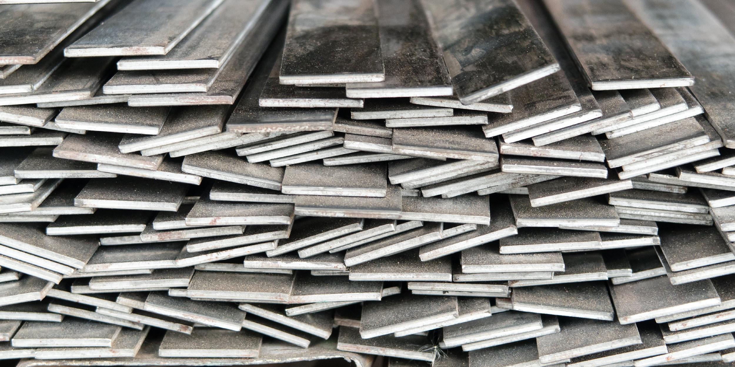 В рамках этой статьи мы поведаем трейдерам о такой дивной конструкции, как реечные потолки вообще и алюминиевые шины в частности, активно применяемые при их монтаже.